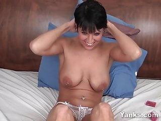 porno fotka - Amateur;MILF;Softcore;HD Videos;Orgasm;Piercing;Big Tits;Girl Masturbating