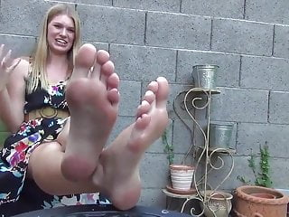 porno fotka - Amateur;Blonde;Brunette;Teen;MILF;Foot Fetish;HD Videos;American;Footing;Feet;Pro