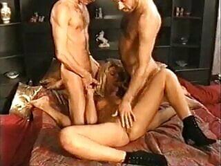 porno fotka - Pornstar;Vintage;Double Penetration;Threesome;Classic;Retro;Penetration;DP