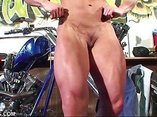 porno fotka - Brunette;German;HD Videos;European;Muscle Girl;FBB Nude;Female Biceps