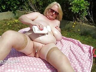 porno fotka - BBW;Mature;Stockings;British;Granny;HD Videos;Big Natural Tits;Bikini;Big Tits;Garden;Pussy;Mature Sally;Sally